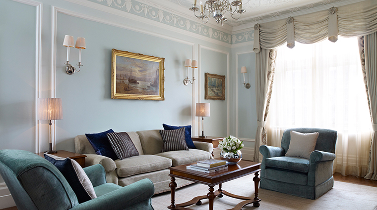 PropertyImage TheConnaught Hotel GuestroomsSuites CarlosSuiteTraditional CreditMaybourneHotelGroup