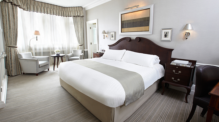 PropertyImage TheConnaught Hotel GuestroomsSuites DeluxeKingTraditional CreditMaybourneHotelGroup
