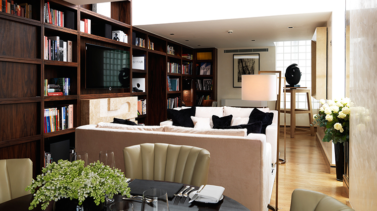 PropertyImage TheConnaught Hotel GuestroomsSuites LibrarySuite CreditMaybourneHotelGroup