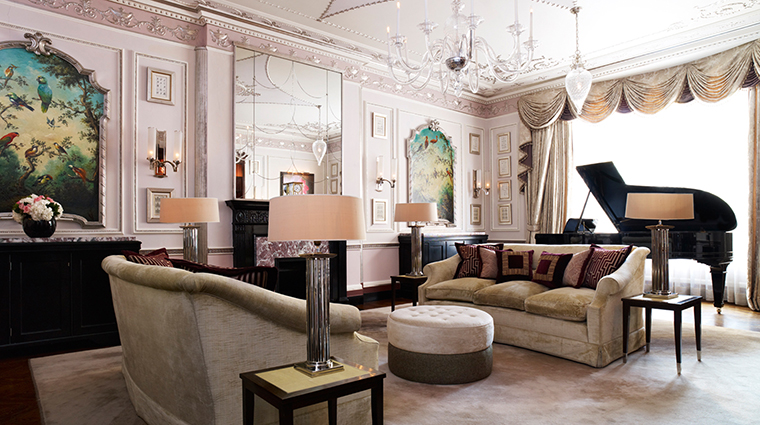 PropertyImage TheConnaught Hotel GuestroomsSuites SutherlandSuiteLivingRoom CreditMaybourneHotelGroup