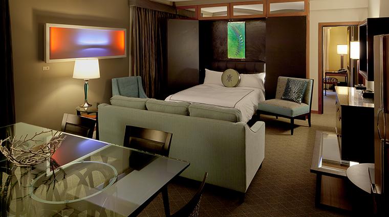 PropertyImage TheHeathmanHotel Hotel GuestroomsandSuites FineArtSuite CreditTheHeathmanHotel