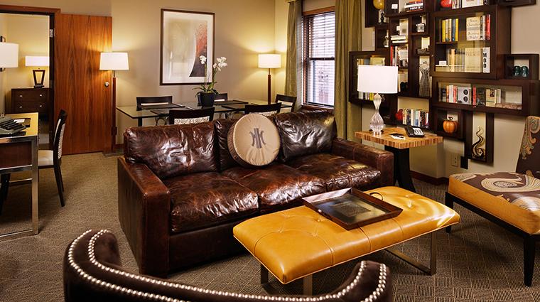 PropertyImage TheHeathmanHotel Hotel GuestroomsandSuites LiteraryArtsSignatureSuite CreditTheHeathmanHotel
