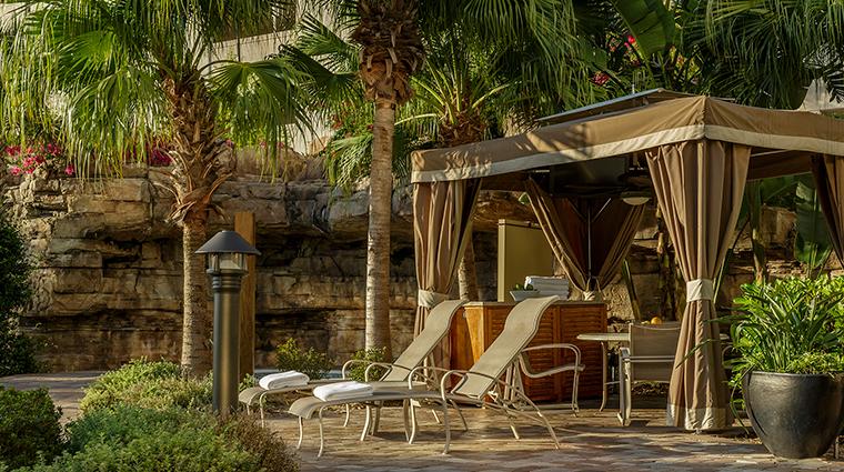 PropertyImage TheHyattRegencyOrlando Hotel 13 PublicSpaces CabanaAtGrottoPool CreditHyattCorporation