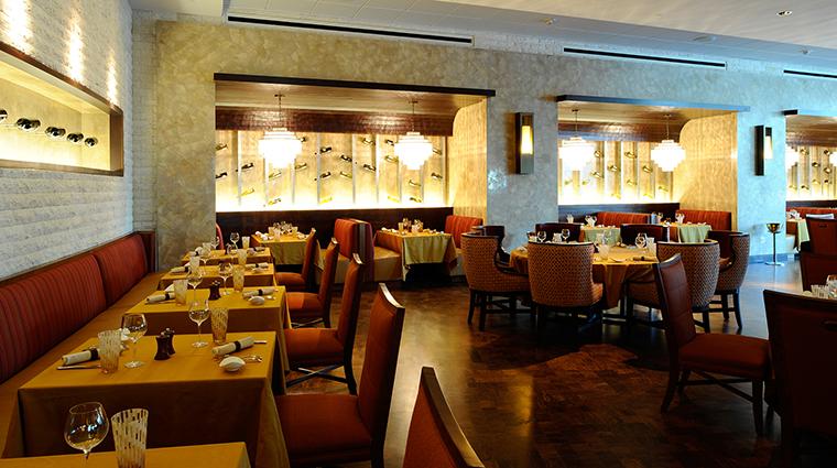 PropertyImage TheHyattRegencyOrlando Restaurant 1 NapaRestaurant Style Dining CreditHyattCorporation