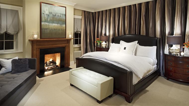 PropertyImage TheInnAtWillowGrove 2 Hotel GuestroomSuite DeluxeSuites TheMasterSuite Bedroom CreditTheInnAtWillowGrove