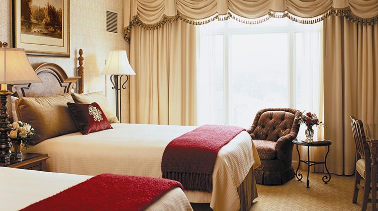 PropertyImage TheInnonBiltmoreEstate Hotel 3 GuestroomsandSuites DeluxeDoubleRoom CreditTheBiltmoreCompanyLLC