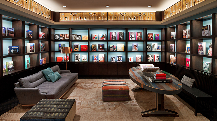 PropertyImage TheJoule 11 Hotel PublicSpaces TASCHENLibrary CreditEricLaignel