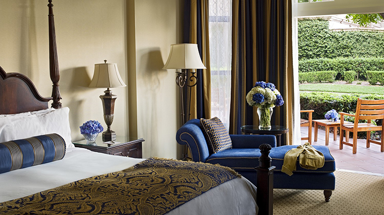 PropertyImage TheLanghamHuntingtonPasadena 6 Hotel GuestroomSuite HungingtonSuite Bedroom CreditLanghamHotelsInternationalLimited