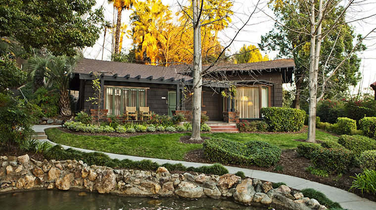 PropertyImage TheLanghamHuntingtonPasadena 9 Hotel GuestroomSuite WisteriaCottage Exterior CreditLanghamHotelsInternationalLimited