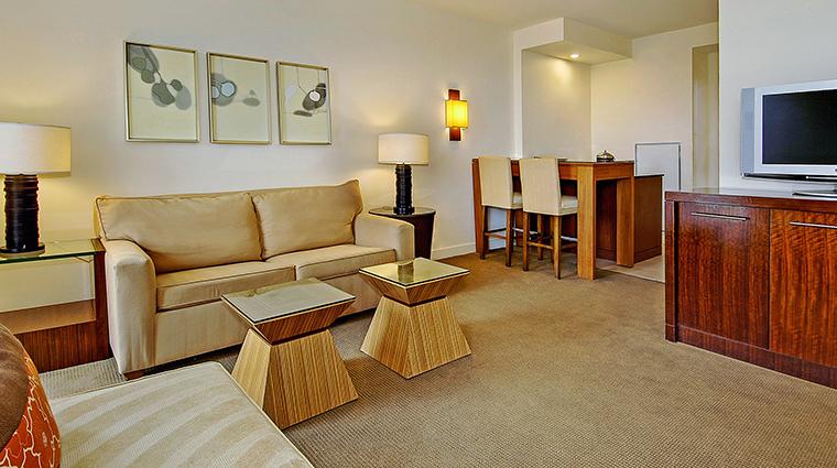 PropertyImage TheReachResort 10 Hotel GuestroomSuites OneBedroomLiving CreditTheReachResort VFMLeonardoInc