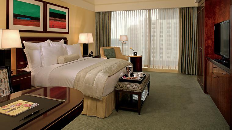 PropertyImage TheRitz CarltonCharlotte 5 Hotel GuestroomsandSuites DeluxeRoom CreditTheRitz CarltonHotelCompanyLLC