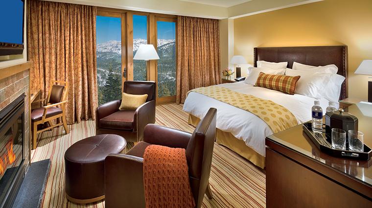 PropertyImage TheRitz CarltonLakeTahoe Hotel 2 GuestroomsandSuites KingBedroom CreditVinceFox