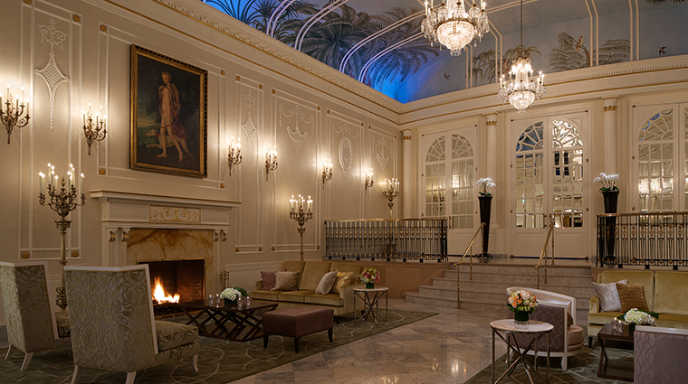 PropertyImage TheRitz CarltonMontreal 15 Hotel PublicSpaces PalmCourt CreditTheRitz CarltonMontreal
