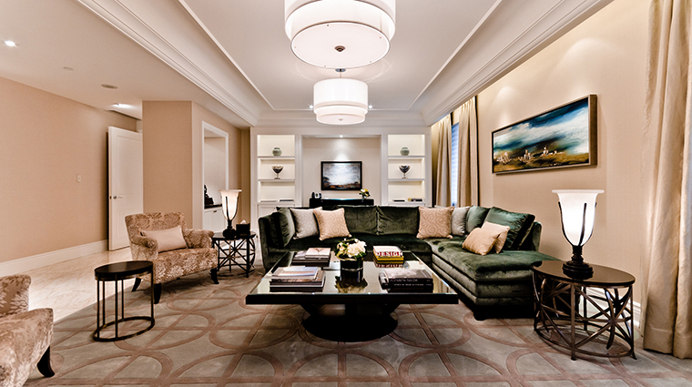 PropertyImage TheRitz CarltonMontreal 8 Hotel GuestroomsSuites RoyalSuite 1 CreditTheRitz CarltonMontreal