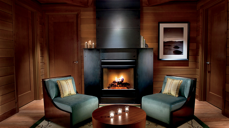 PropertyImage TheRitz CarltonSpaLakeTahoe Spa 4 Style CabinRelaxationRoom CreditChristopherCypert