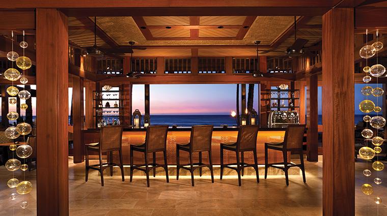 PropertyImage ULUOceanGrill 2 Restaurant Style Bar 2 CreditFourSeasons