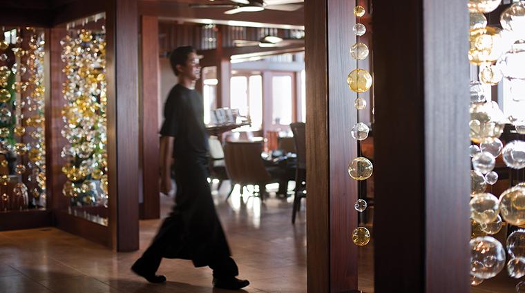 PropertyImage ULUOceanGrill 3 Restaurant Style Entrance CreditFourSeasons