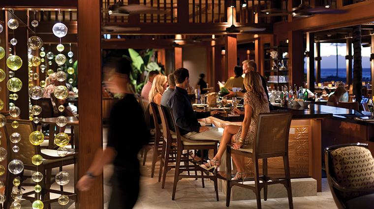 PropertyImage ULUOceanGrill 4 Restaurant Style Bar CreditFourSeasons