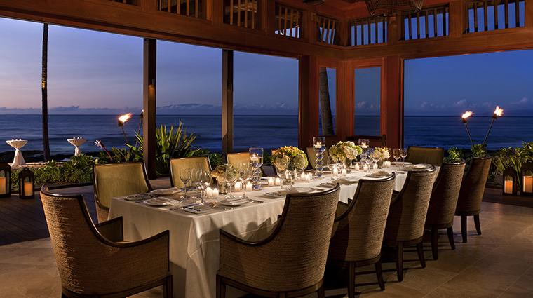 PropertyImage ULUOceanGrill 5 Restaurant Style KohalaRoom CreditFourSeasons