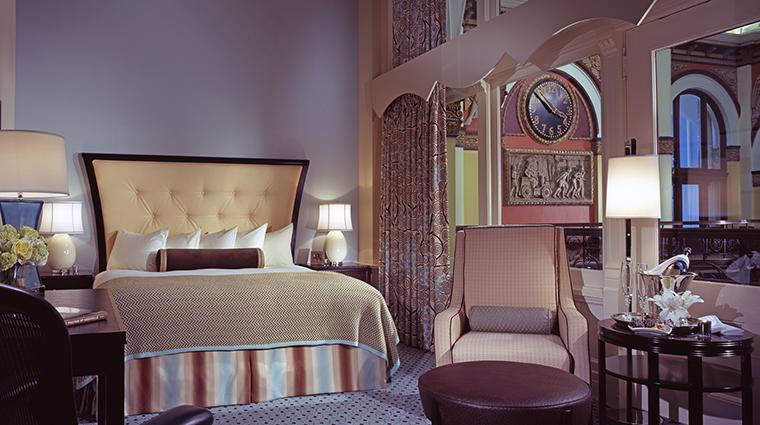 PropertyImage UnionStationHotel 2 Hotel GuestroomsSuites GuestroomKing CreditUnionStationHotel
