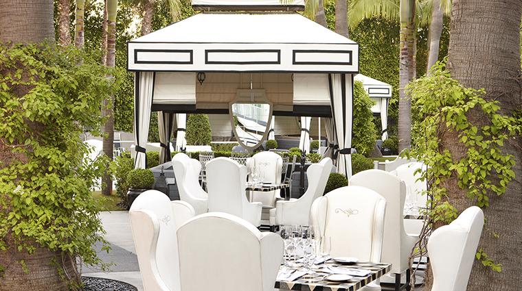 PropertyImage ViceroySantaMonica 12 Hotel Restaurant Cast PatioDuringTheDay CreditViceroyHotelGroup