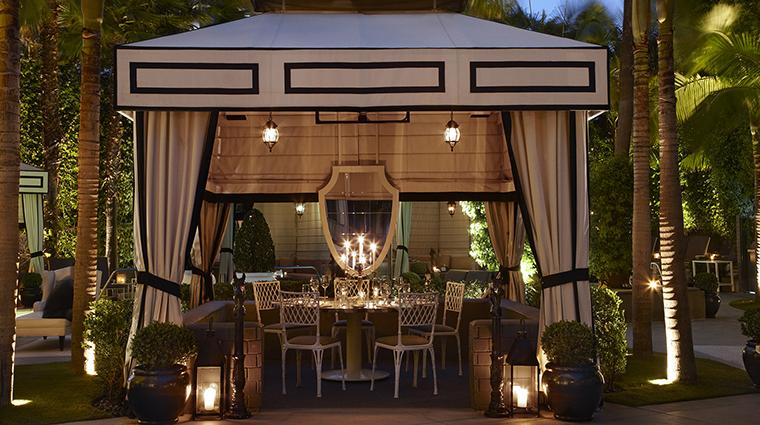 PropertyImage ViceroySantaMonica 13 Hotel Restaurant Cast DiningCabanaAtNight CreditViceroyHotelGroup