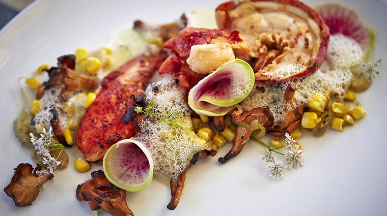 PropertyImage ViceroySantaMonica 17 Hotel Restaurant Cast LobsterAndCorn CreditViceroyHotelGroup