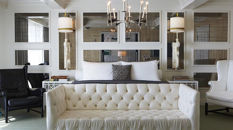 PropertyImage ViceroySantaMonica 5 Hotel GuestroomSuite MonarchSuite Bedroom CreditViceroyHotelGroup