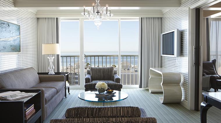 PropertyImage ViceroySantaMonica 6 Hotel GuestroomSuite MonarchSuite LivingRoom CreditViceroyHotelGroup