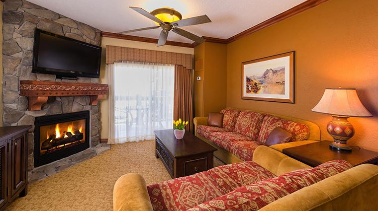 PropertyImage WestgateParkCityResortandSpa Hotel GuestroomSuites LuxuryOneBedroomVillaLivingRoom CreditWestgateResorts