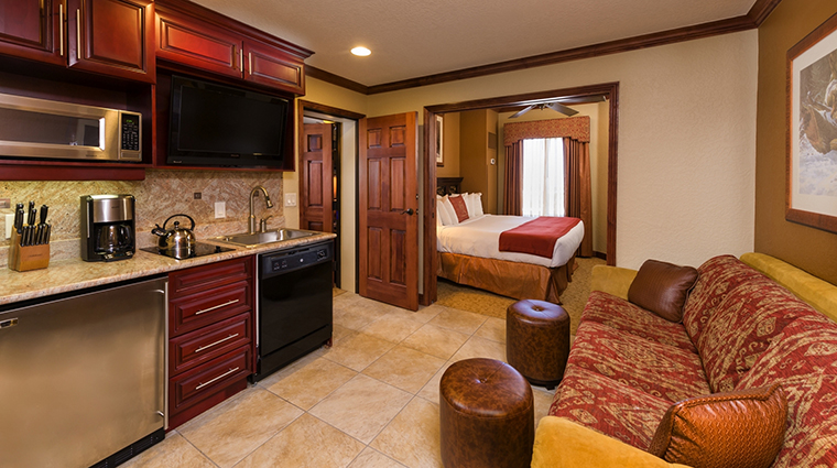 PropertyImage WestgateParkCityResortandSpa Hotel GuestroomSuites LuxuryStudio CreditWestgateResorts