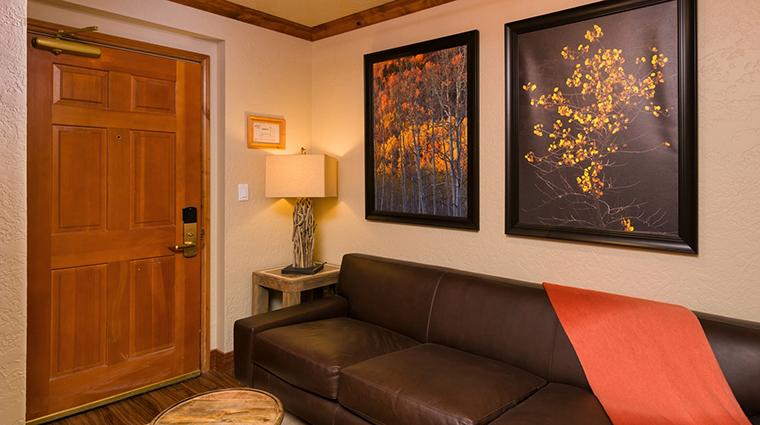 PropertyImage WestgateParkCityResortandSpa Hotel GuestroomSuites SignatureSuite 2 CreditWestgateResorts