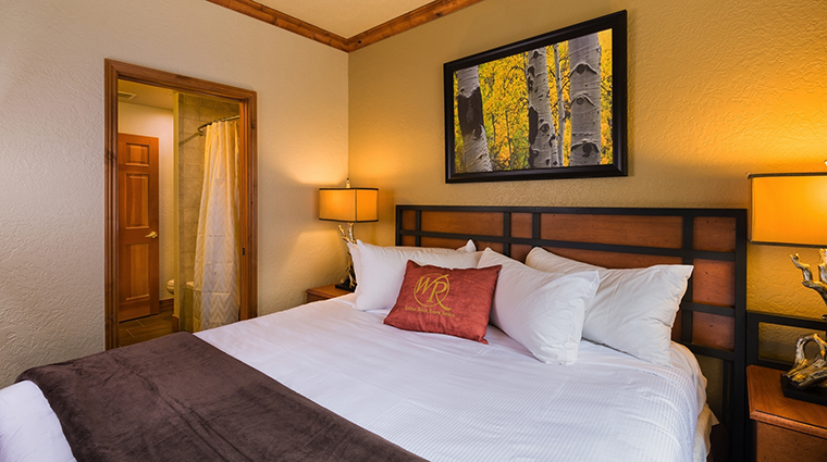 PropertyImage WestgateParkCityResortandSpa Hotel GuestroomSuites SignatureSuite CreditWestgateResorts