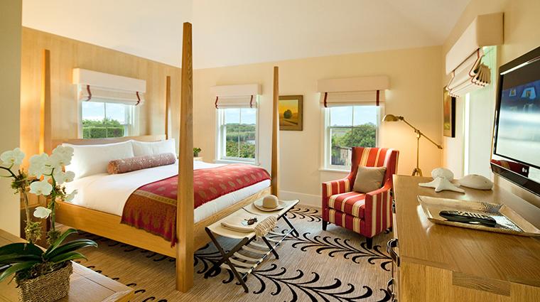 PropertyImage WhiteElephantVillage Hotel 5 GuestroomsandSuites ResidenceGuestRoom CreditNantucketIslandResort