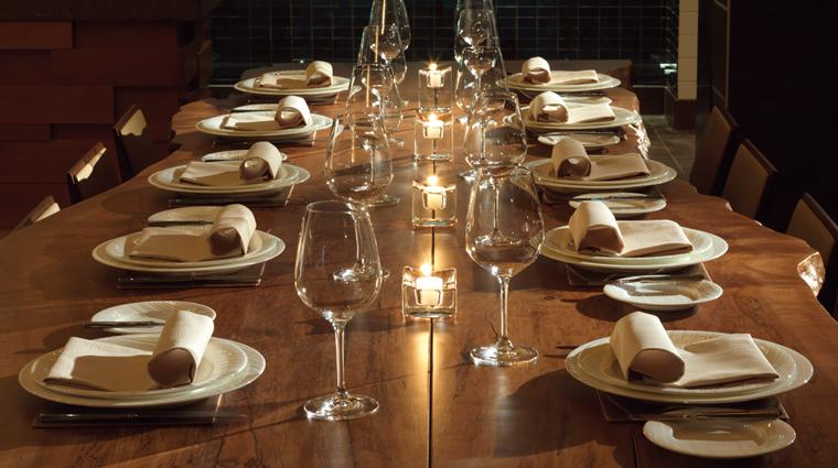 PropertyImage YEWRestaurant 4 Restaurant Style Stemware CreditFourSeasons