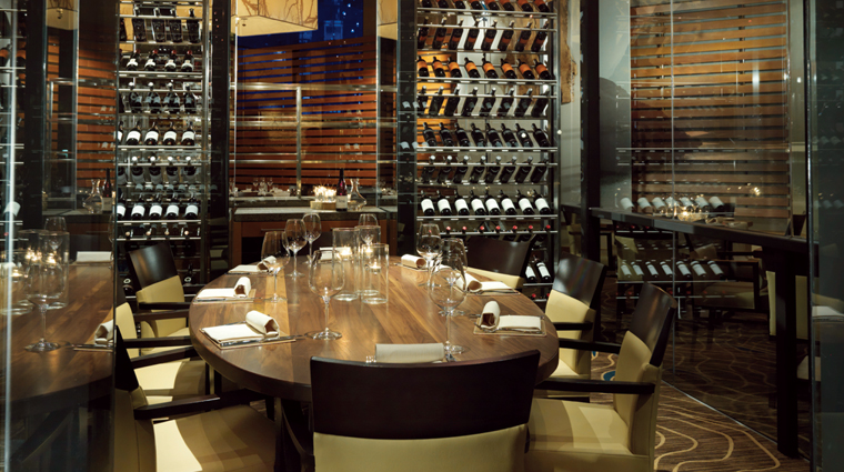 PropertyImage YEWRestaurant 5 Restaurant Style PrivateDiningRoom CreditFourSeasons