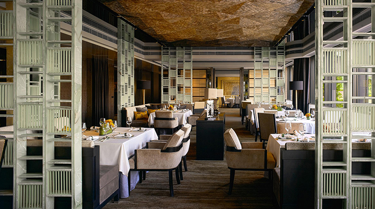 PropertyImage YanTohHeen 2 Restaurant Style Interior CreditInterContinentalHongKong