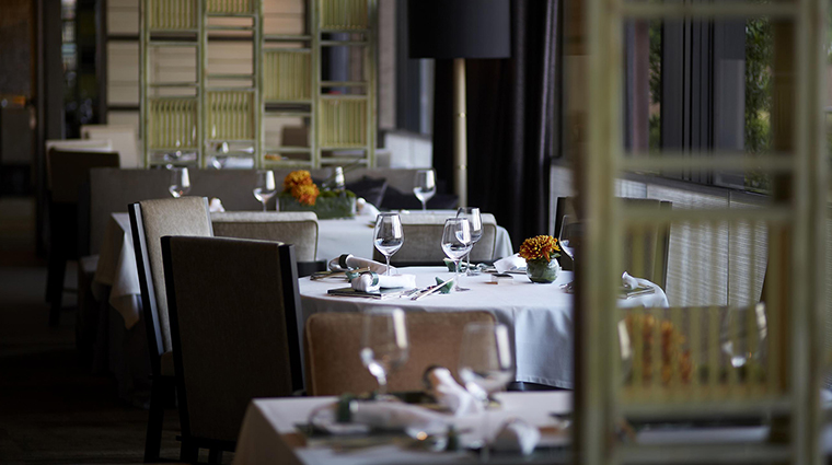 PropertyImage YanTohHeen 5 Restaurant Style TableDetail CreditInterContinentalHongKong