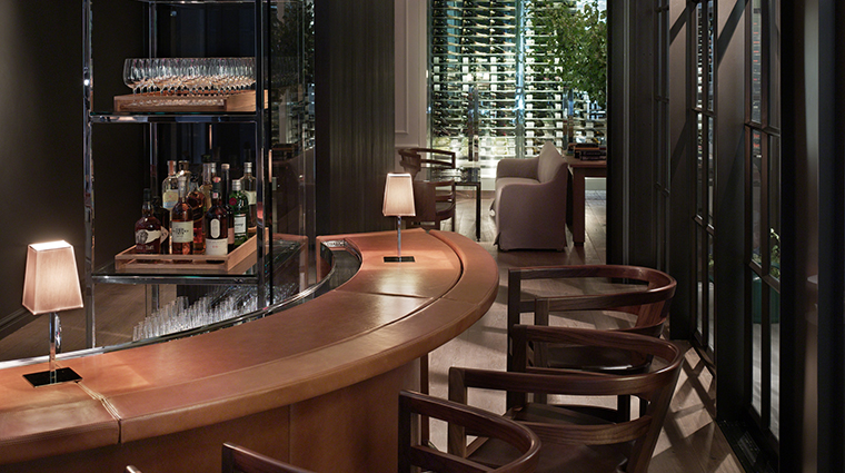 PropertyImage Andaz5thAvenue Hotel PublicSpaces Apartment2E TheBar CreditHyattCorporation
