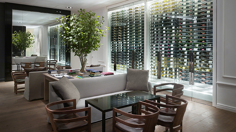 PropertyImage Andaz5thAvenue Hotel PublicSpaces Apartment2E TheDen CreditHyattCorporation