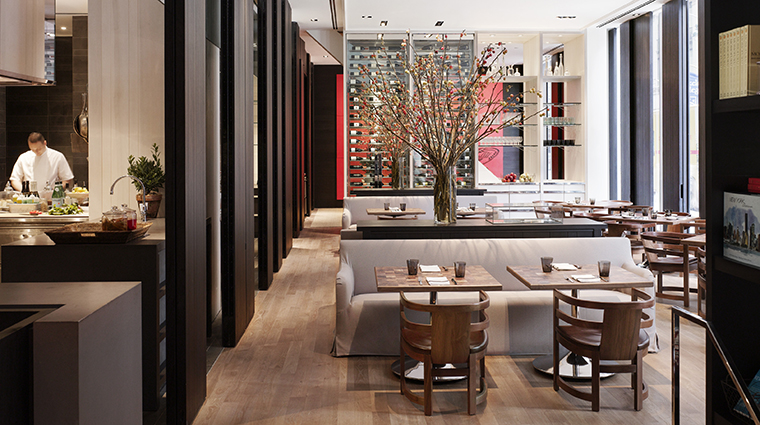PropertyImage Andaz5thAvenue Hotel Restaurant TheShop DiningRoom CreditHyattCorporation