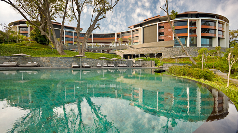 PropertyImage AurigaSpaatCapellaSingapore Spa Style Pool CreditCapellaHotelsandResorts