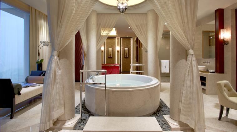PropertyImage BanyanTreeMacau Hotel GuestroomSuite PresidentialSuiteRelaxationPool CreditBanyanTreeHotelsandResorts
