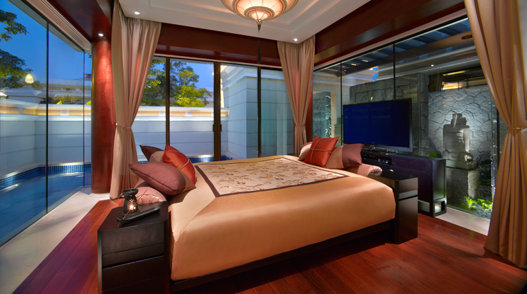 PropertyImage BanyanTreeMacau Hotel GuestroomSuite SanctuaryPoolVillaMasterBedroom CreditBanyanTreeHotelsandResorts