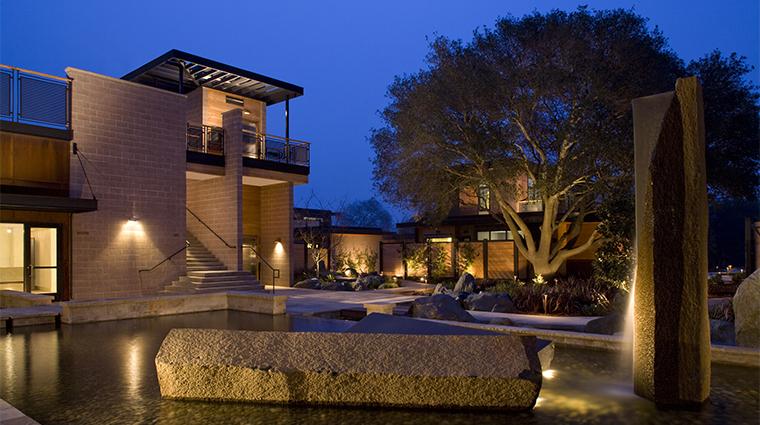 PropertyImage BardessonoHotelandSpa Hotel Exterior ExteriorWaterFeature CreditBardessonoHotelandSpa