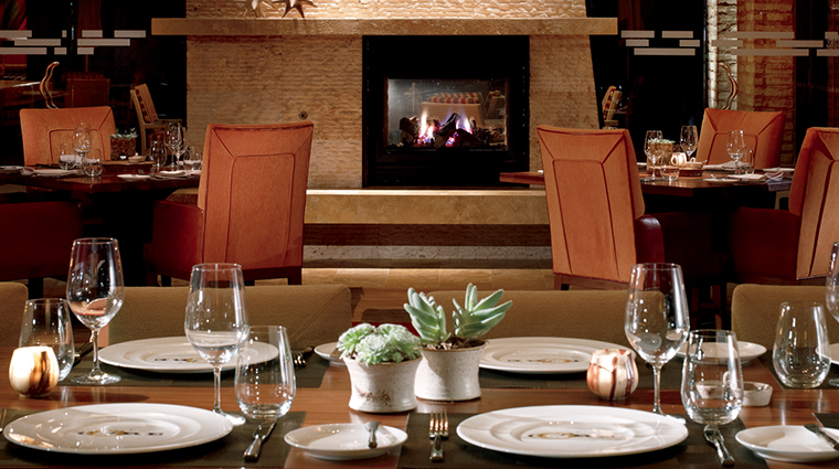 PropertyImage COREKitchenandWineBar Restaurant Style Dining 2 CreditTheRitz CarltonHotelCompanyLLC