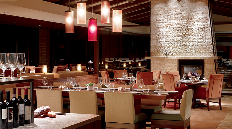PropertyImage COREKitchenandWineBar Restaurant Style Dining 3 CreditTheRitz CarltonHotelCompanyLLC