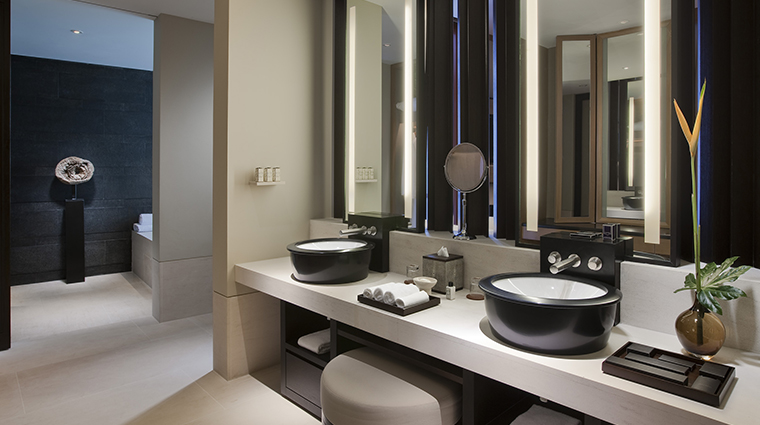 PropertyImage CapellaSingapore Hotel GuestroomandSuites Bathroom CreditCapellaHotelsandResorts