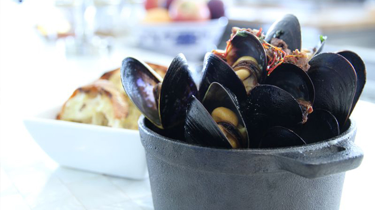 PropertyImage Catch Restaurant Food Mussels CreditCasadelMar