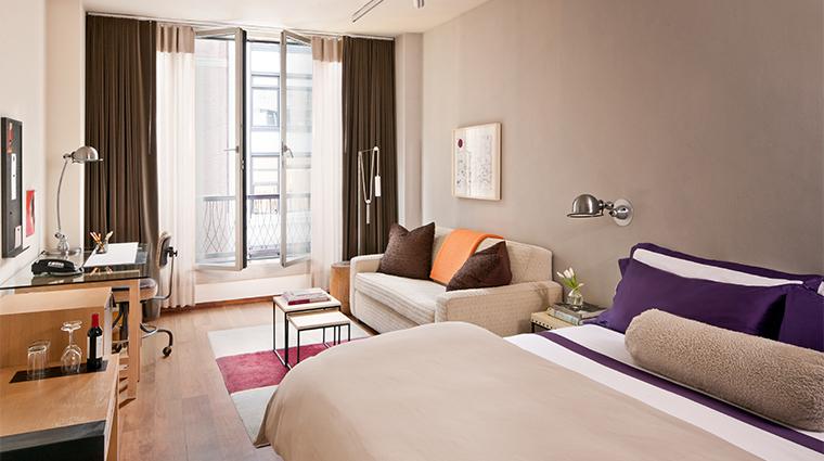 PropertyImage ChambersHotel 11 Hotel GuestroomSuite StudioKingGuestroom Bedroom CreditChambersHotel